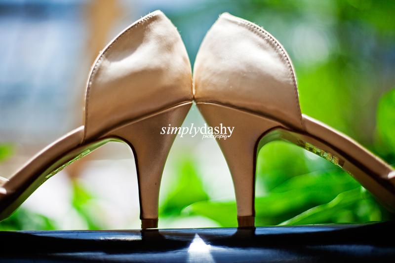 01 WeddingShoeShot