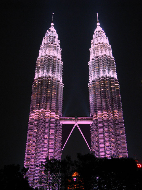 Petronas_Twin_Towes_pink