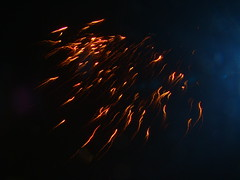 anaar pataka (Adrakk) Tags: india festival fireworks cracker diwali firecracker ptard inde feudartifice pataka dipavali