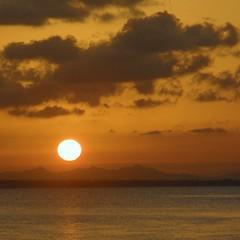 Ocaso en el hospital. (nuska2008) Tags: sunset espaa sol clouds square landscape atardecer mar europa tramonto tranquility murcia nubes puestadesol sole 1001nights marmenor ocaso soe tranquilidad natureplus atardecerenelmar nuska20