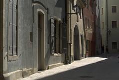 Mineralische Orte. (...cathrine) Tags: lighting street light alley soft strada pastel via mineral moment lovely blau gasse stradina softtones pastelfarben mineralisch