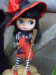 WHAT THE STYLISH WITCH IS WEARING THIS HALLOWEEN!!!