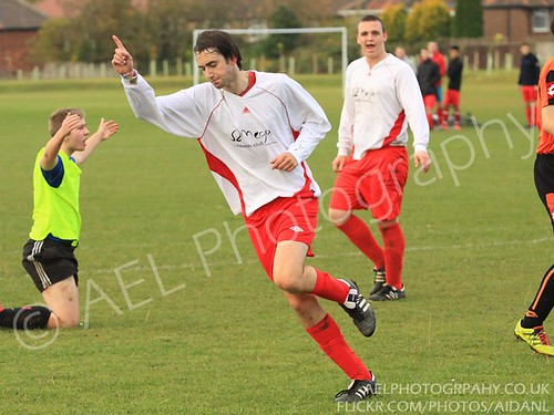Lowe and Simpson Staircases FC v Marstons FC - Photos 30/10/2011