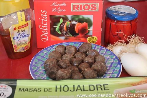 Delicias de morcilla Ríos en costra de hojaldre con coulís de piquillos (2)