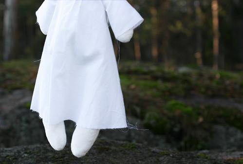 a ghostly rag-cat
