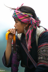 Sapa (Vietnam) (Robin Valk) Tags: girl umbrella thought purple headscarf vietnam portret sapa