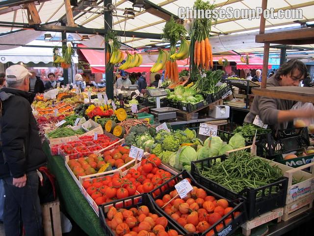 [photo-fresh produce market in venice near ca' d'oro]