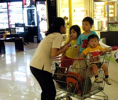 I said to you: Listen and be quiet !! (Bhakti -Amsterdam) Tags: people indonesia candid jakarta shoppingmall