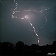Noodweer Arnhem #3 (Willemvdk) Tags: juni canon de arnhem 5d 28 lightning onweer noodweer bliksem 2011 2470 laar schicht willemvandekerkhof
