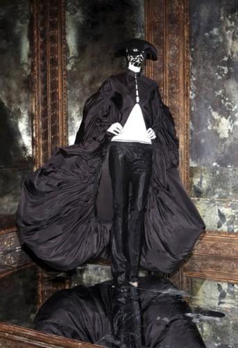 Alexander-McQueen-savage-beauty-6-343x500