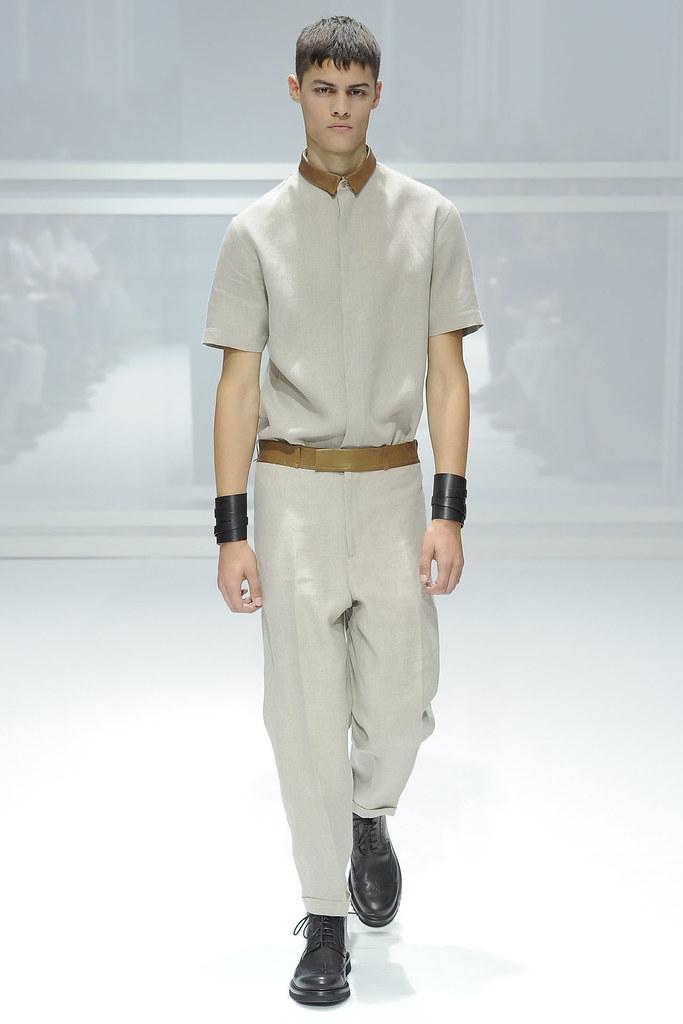 SS12 Paris Dior Homme026_Hans Hatt(VOGUEcom)