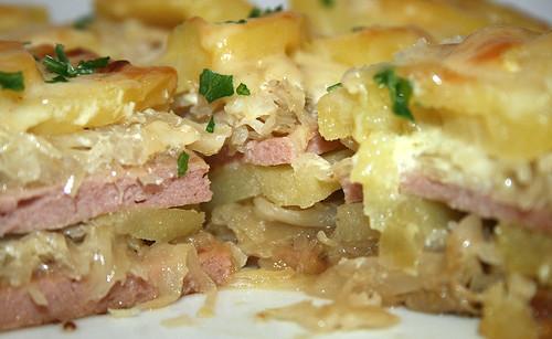 Leberkäse Sauerkraut Kartoffel Auflauf - aufgewärmt - CloseUp