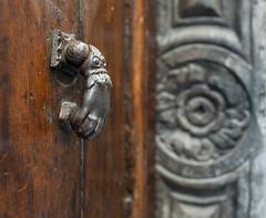 Time knocks on the old door (Nicola Bottinelli) Tags: door wood italy metal handle 50mm nikon dof bokeh f14 g liguria depthoffield portal nikkor afs arcola d700 bokehstandard
