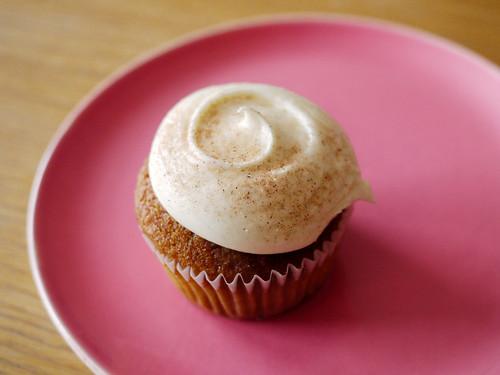 10-11 carrot cupcake
