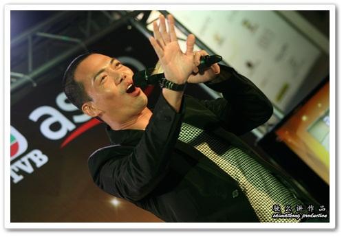 谢天华, Michael Tse : 潛行狙擊 Lives of Omission - 主題曲 Tuk Hang (獨行)