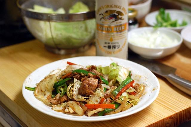 豚肉とキャベツの味噌炒め。