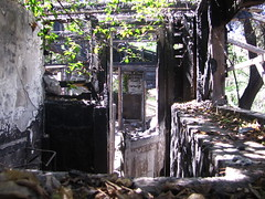 Casa quemada (Cami_lalala ♥) Tags: chile parque santiago arcoiris rainbow san cerro virgen cristobal metropolitano valderrama camilalala