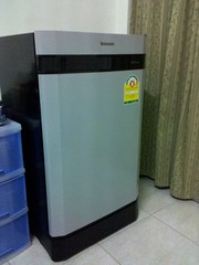 น้องตู้เย็น (วัสดุดูก๊องแก๊งมากเบย)