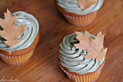 Tutorial for DIY Edible Leaves on cupcakes (1 Fine Cookie) Tags: thanksgiving food fall cooking halloween leaves cake dessert cupcakes diy chocolate cook pop recipe