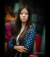 Beautifully Tired (PP) Tags: guangzhou portrait girl lady asian asia candid longhair streetphotography streetportrait tired asiangirl chinesegirl nikkor80200mmf28 beijinglu nikond90 jerrycal chinesestreetportrait