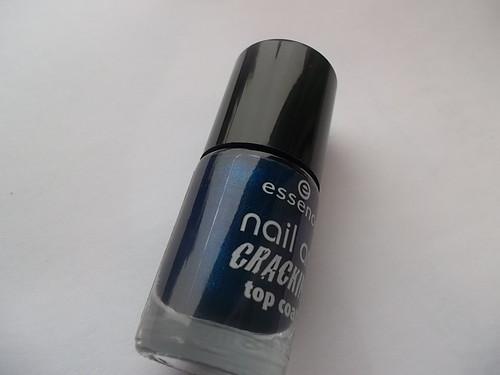 ess. nail art. cracking