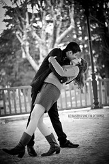 Le Baiser d'une Fin de Danse [ Explore ] (Franck Tourneret) Tags: bw music booth 50mm dance engagement nikon kissing couple danse nb lovers kiosque musique baiser commitment amoureux d700