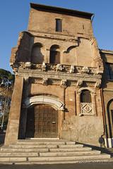 "Casa dei Crescenzi • <a style=""font-size:0.8em;"" href=""http://www.flickr.com/photos/89679026@N00/6413884283/"" target=""_blank"">View on Flickr</a>"