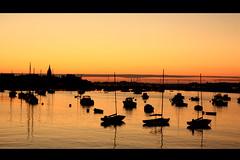 Roscoff (J@y C) Tags: sun france reflection silhouette canon landscape boats dawn vacances soleil holidays roscoff bretagne bateaux paysage crpuscule reflets coucherdesoleil jyc