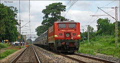 JAT-KOL express!! (Raj Kumar (The Rail Enthusiast)) Tags: india industry express kashmir kolkata raj ganga puri bhel kumar bihar howrah jharkhand patna bhubaneshwar 22314 dhanbad sealdah jhansi rajdhaniexpress orrisa 22722 22750 24517 30279 ndls bhaga damodar wap4 wag7 wap7 neelanchal patherdih jammutavi