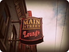 Main Street Lounge (BlackAndBlueBeauty) Tags: street sign montana neon butte main lounge uptown