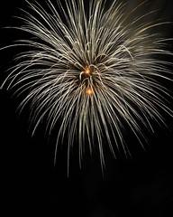 buntes Zeugs #5 (liebeslakritze) Tags: germany fireworks kiel feuerwerk nightglow nordmarksportfeld