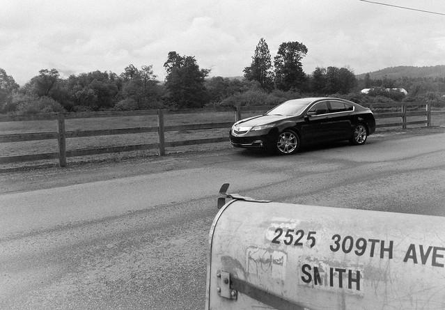 blackandwhite car automobile awd 2012 acuratl allwheeldrive tamronlens fourdoors nikond90 tomvoelk drivencarreviewscom