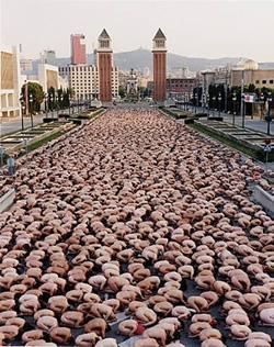 Foto de Tunick en Barcelona, 2003