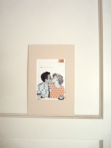 Retro first kiss on wall by la casa a pois