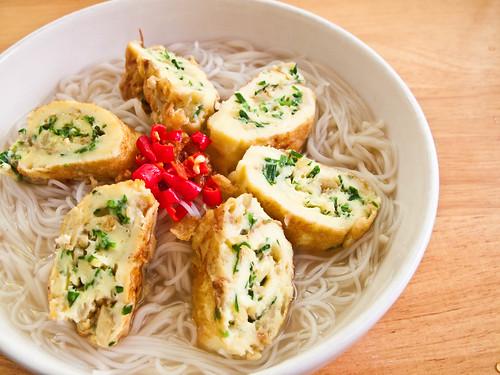 IMG_1294 韭菜姜末蛋卷米粉汤