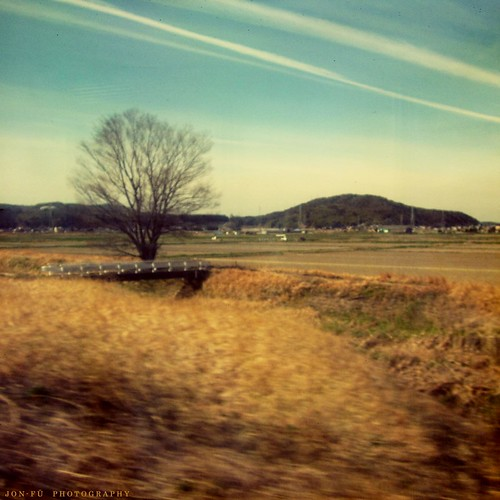 電車から岡崎を眺めた (Gazing at Okazaki from the Train)