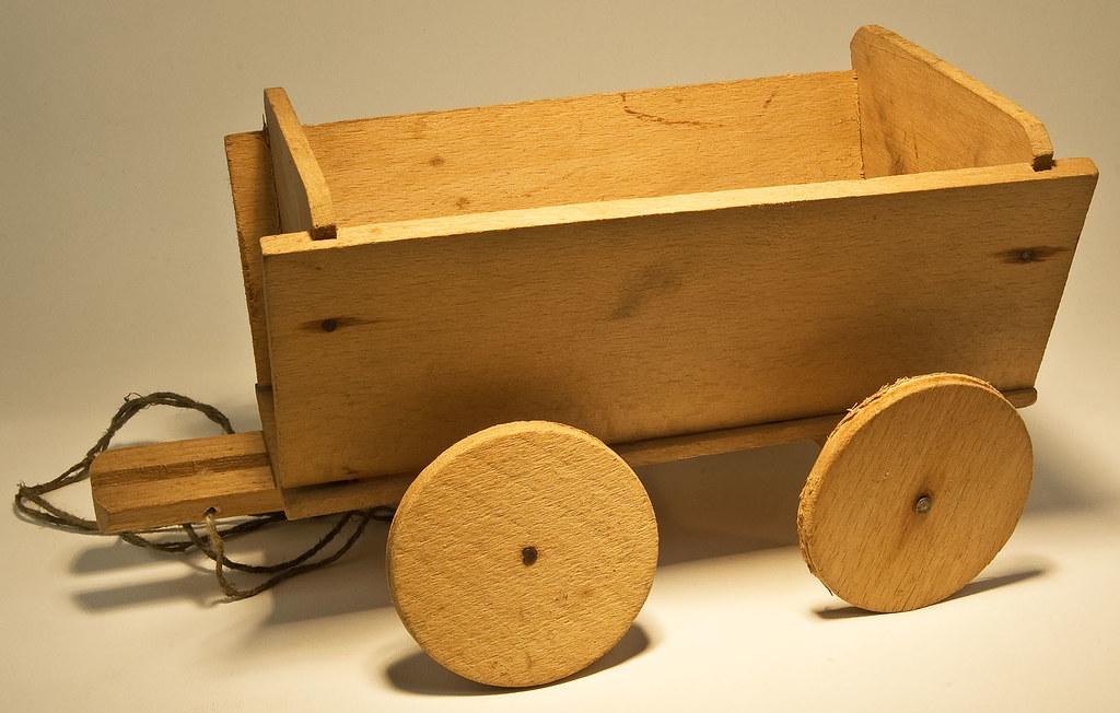 Wooden cart | Vagn av trä