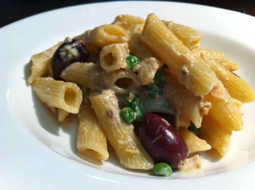Salmon, Pea & Black Olive Penne by mjd-s