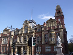 Town Hall, Parade, Leamington Spa and statue of Queen Victoria