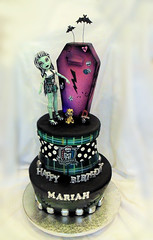Monster HIgh Cake 10 22 pic 1 (Cake Rhapsody) Tags: birthday dog halloween cake metal puppy skulls doll zombie chocolate goth casket sugar locker purse frankenstein horror doggy coffin plaid thunder bats airbrush tartan sculpting fondant gumpaste frankiestein monsterhigh barbaranngarrard cakerhapsody