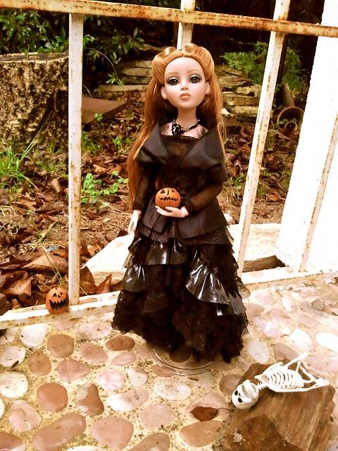 Amber Dark and Stormy Night de Poupouske 6289157563_3eb6ba26f3_z