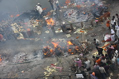 Varanasi, Manikarnika Ghat (Arian Zwegers) Tags: varanasi manikarnikaghat burning burningbodies ganges funeral india cremation manikarnika ghat uttarpradesh mahasmasana shmashāna shmashana smashan pyre smashanghat 2008 benares banaras kashi gangesriver ganga spiritualcapital saptapuri hinduism jainism buddhism worshipofshiva shiva salvation pilgrimage
