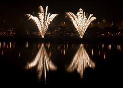 Fireworks_4216_edited-1 (juliereynoldsphotography) Tags: museum canon reflections river photography julie display firework 5d mersey reynolds catalyst runcorn widnes halton