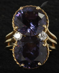 4040. 18KT Diamond and Synthetic Alexandrite Ring