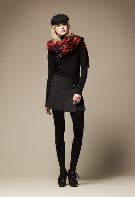 burberry blue label fall collection 2011_13