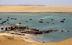 Para comer cebiche! (annykita) Tags: azul mar barcos restaurante playa per desierto ceviche pacfico paracas cebiche reservanacional pesqueros