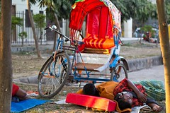 60DBD7_2314 (bandashing) Tags: poverty blue winter light red england orange sun cold men dusty manchester golden evening sleep slumber poor dry tired blanket rest rough rickshaw sylhet bangladesh share exhausted knackered streeet pullers bndashing