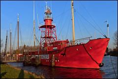 RED LIGHT (ESOX LUCIUS) Tags: holland taco hellevoetsluis lightship 2011 noordhinder