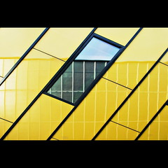 ///// (Maerten Prins) Tags: distortion reflection window lines yellow wall
