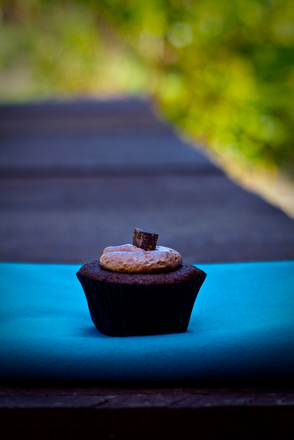 Cupcake de chocolate by Yuri Hayashi, on Flickr